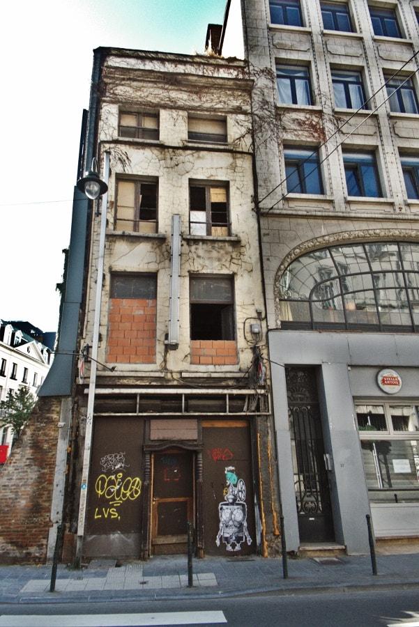 Brussels Underground strange ho - studio_zamenhof | ello