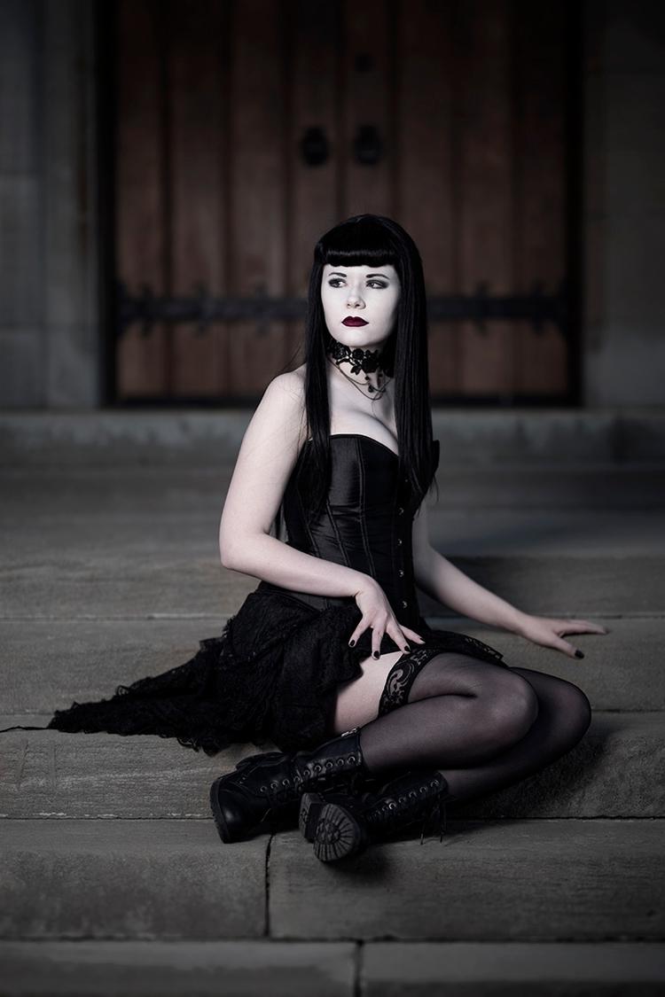 Photographer:Taylor Snyder Mod - darkbeautymag | ello