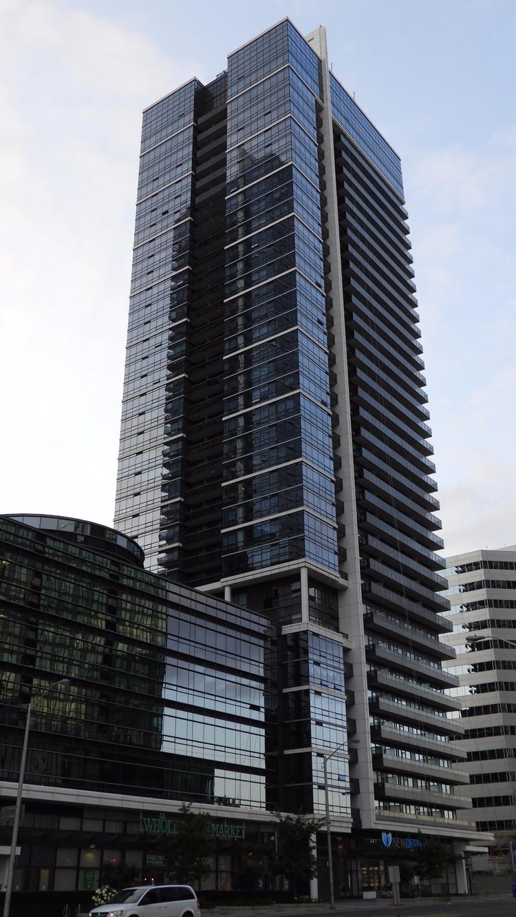 Hullmark Centre, Toronto - hdr, engineering - koutayba | ello