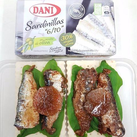 SpanishSardines, OliveOil, Crackers - vicsimon | ello