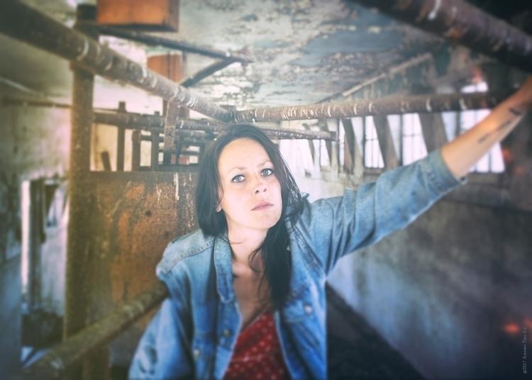 Laura Chorographer, Performance - jarzente | ello
