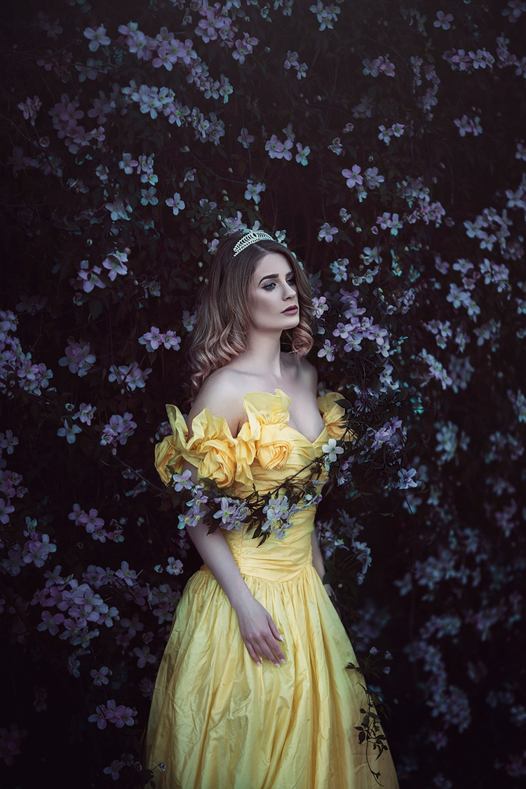 Photographer:Anjelica Hyde Mod - darkbeautymag | ello