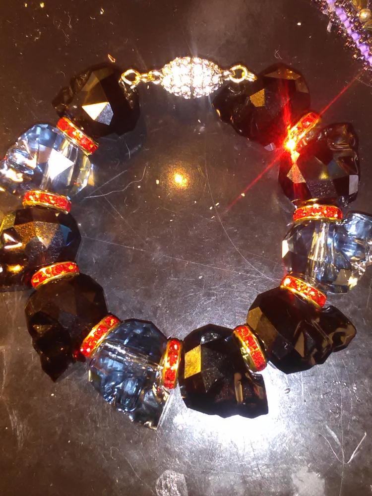 BRACELET: crystal skulls, pave  - x-berger313 | ello