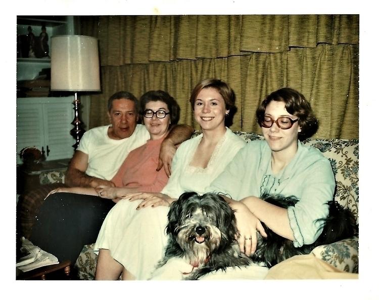 Family Photo - man, hombre, qhari - hatun | ello