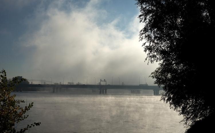 Brume matinale sur la Garonne à - gclavet | ello