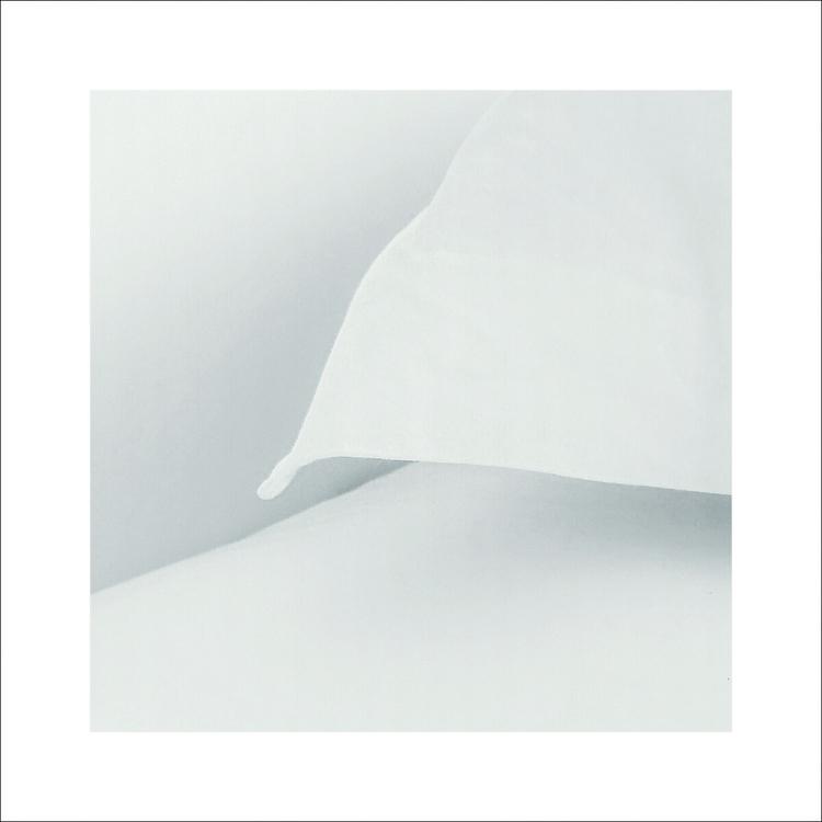 minimalist pic, pure peace eyes - aleksaleksa | ello