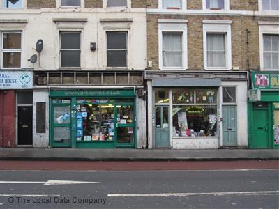 art shop Hackney (stoke newingt - jio_and_her_rags   ello