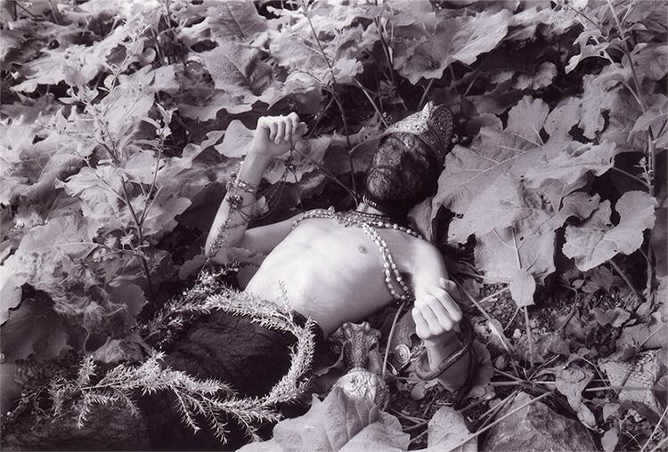santiago black white 35mm film - jauer | ello