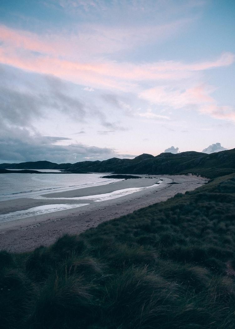 tide remote beach northern scot - lavisuals | ello