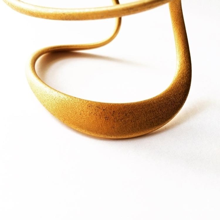 Futur Simple - bracelet, architecture - dvgt | ello