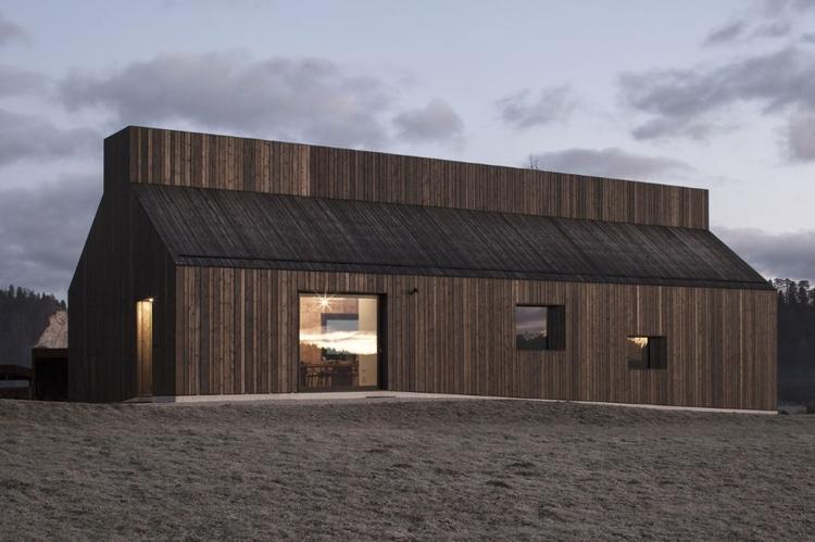 Chimney House, Logatec Dekleva  - elloarchitecture | ello
