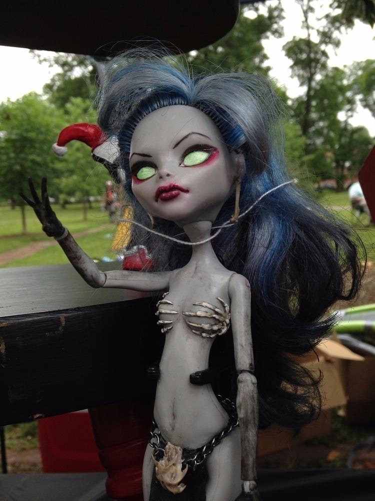 **1022**. doll vended [Pagan Po - moosedixon   ello