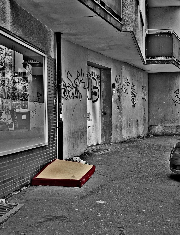 Mattress street - colorkey, CanonEOS600D - borisholtz | ello