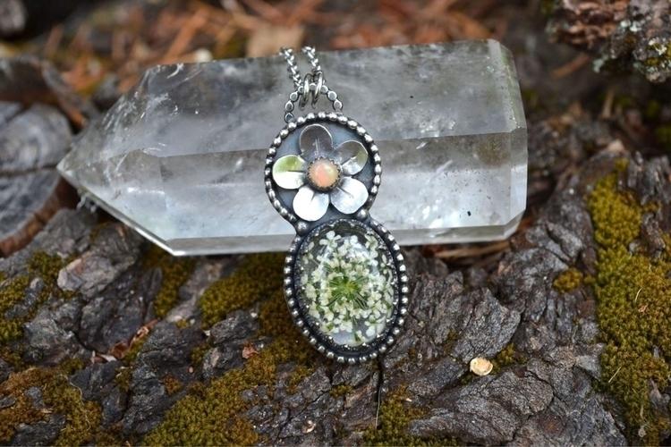 Opal Queen Lace flower pendant  - lunafloradesigns | ello