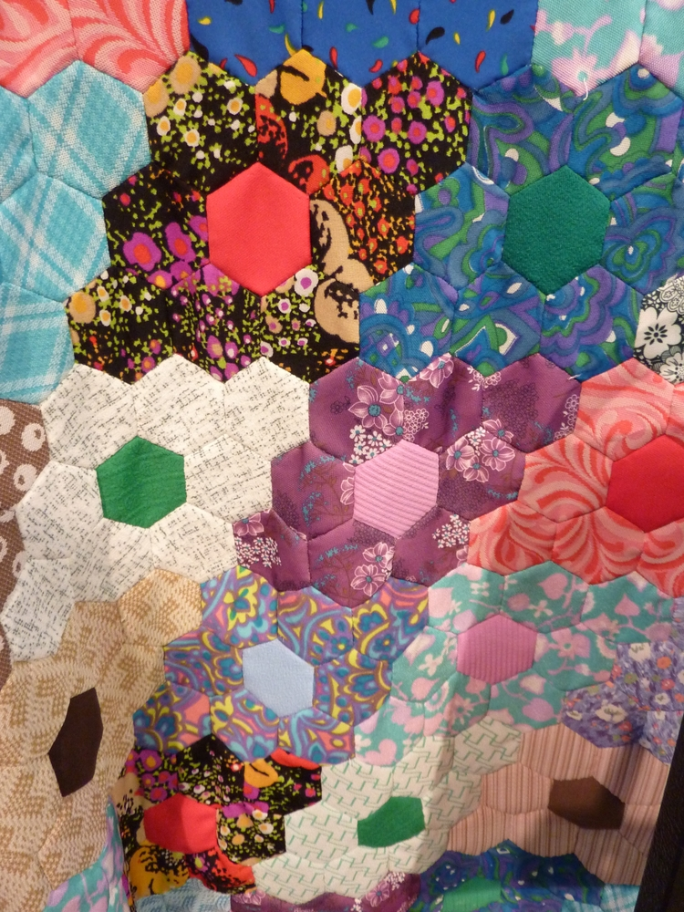 Morton Quilters' Group 10 Year  - firehorsetextiles | ello