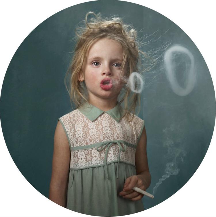 Smoking kids Frieke Janssens fr - lilavert | ello