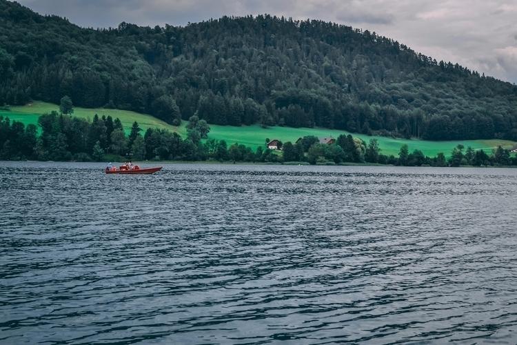 peaceful place. Beautiful stunn - captain_lukhasan | ello