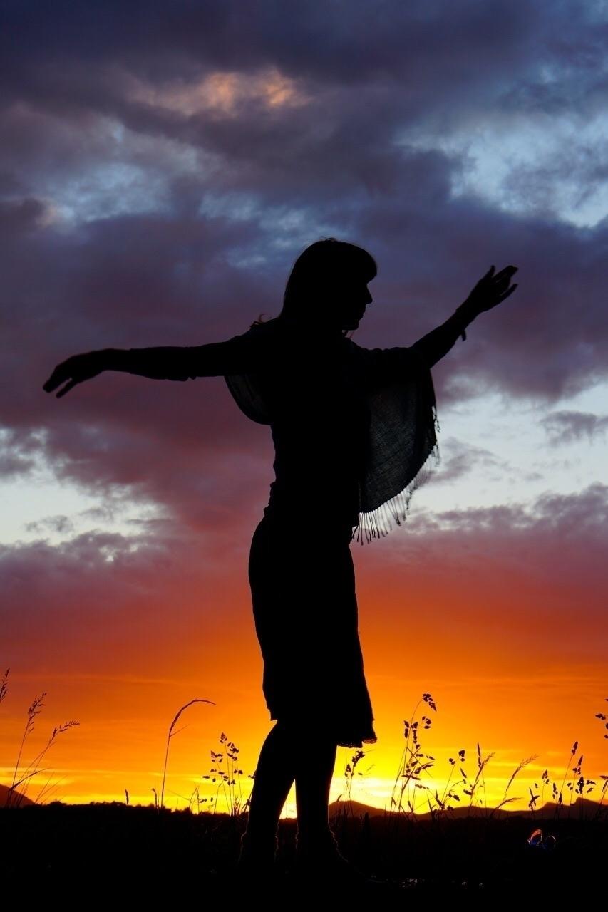 Dancing sun. Harlech, Wales - greyswan | ello