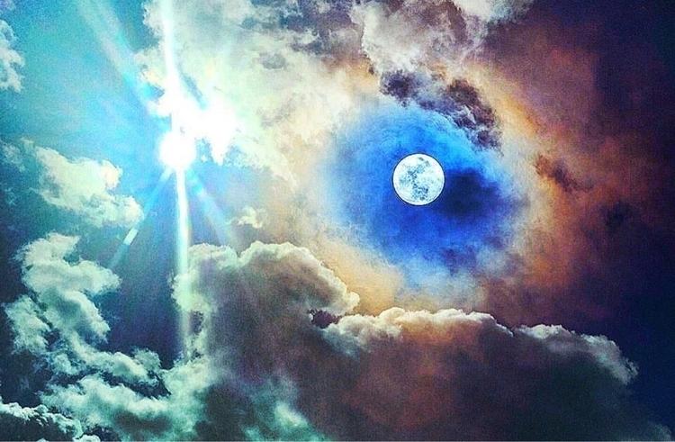 señorita - sun, moon - billhicks | ello