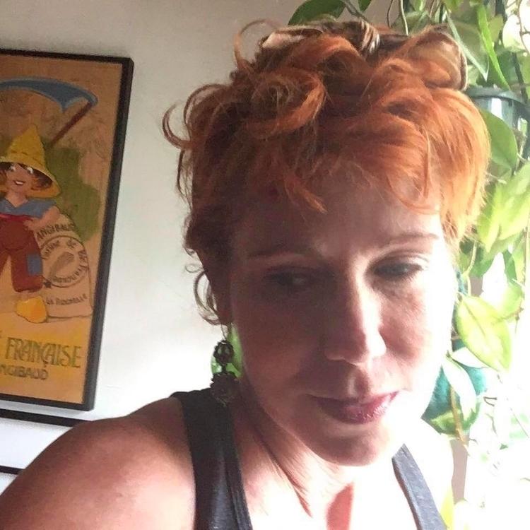 sexy redheaded slut loves show  - largep | ello