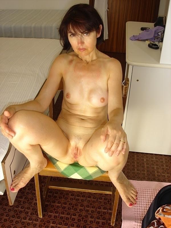 nude, naked, breasts, exposing - paolaitalianazozzariconosciutaafregnasborrata   ello
