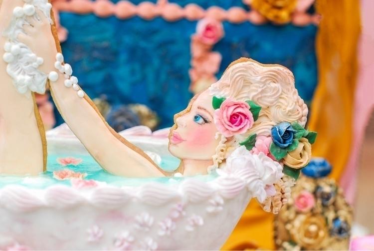 Cookie art. Girl, bathtub, cook - shelbyelizabethcakes | ello