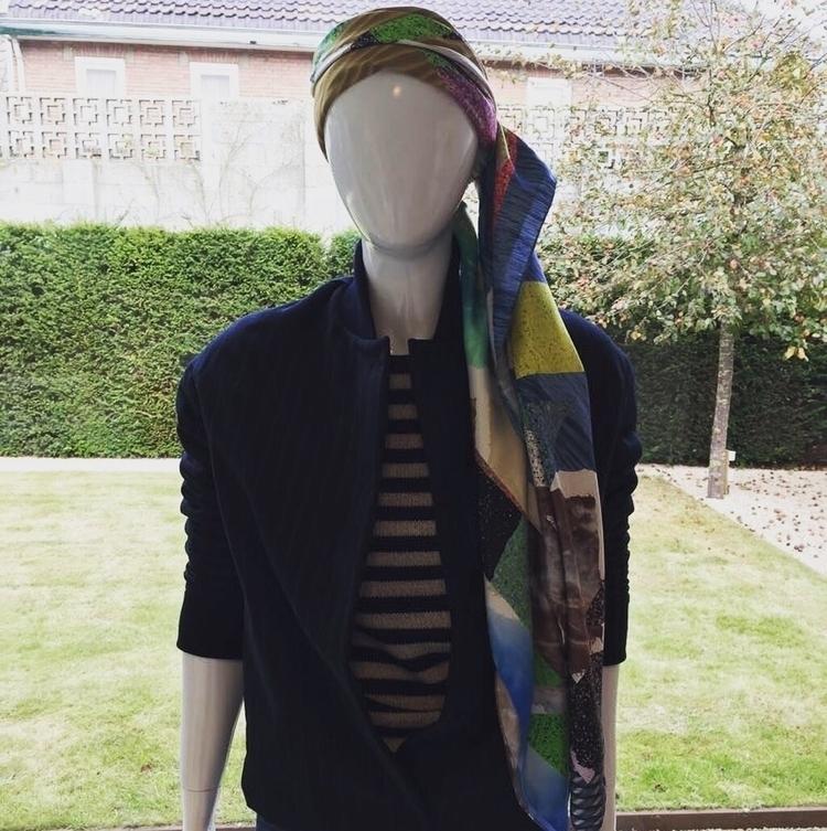 wear JM scarf Sqotchio - julienmartin   ello