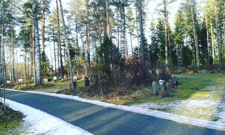 Del av den stora cirkeln på Sko - skogskyrkogardar | ello