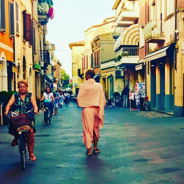 People Rimini, Italy. anniewood - anniewood | ello