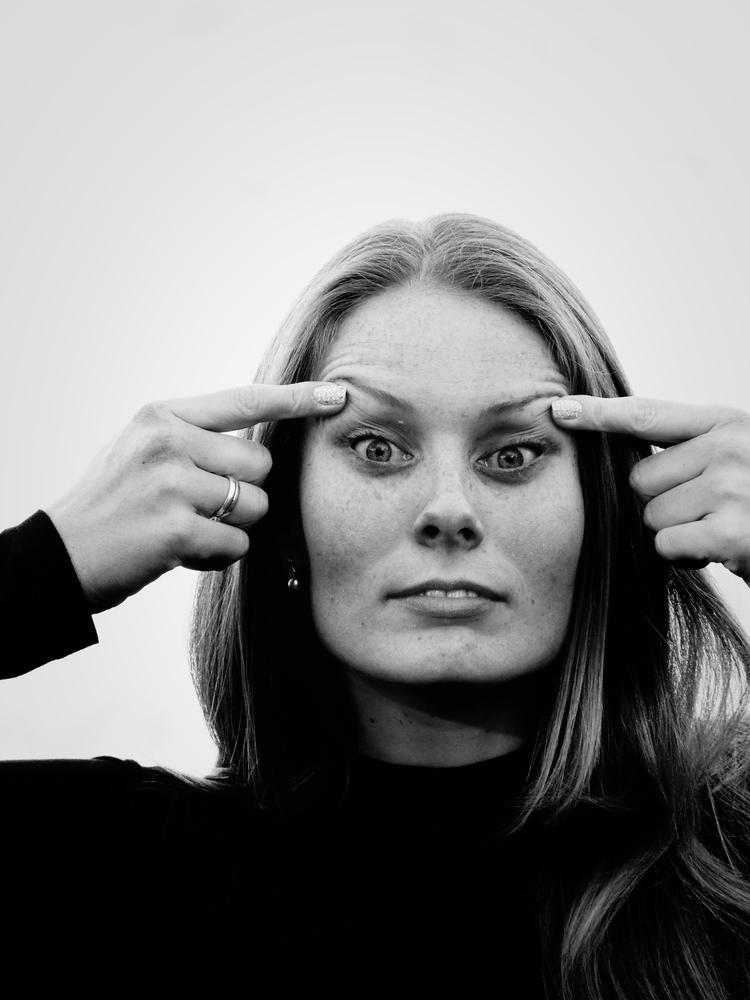 Making face - BW portrait - jutebar | ello