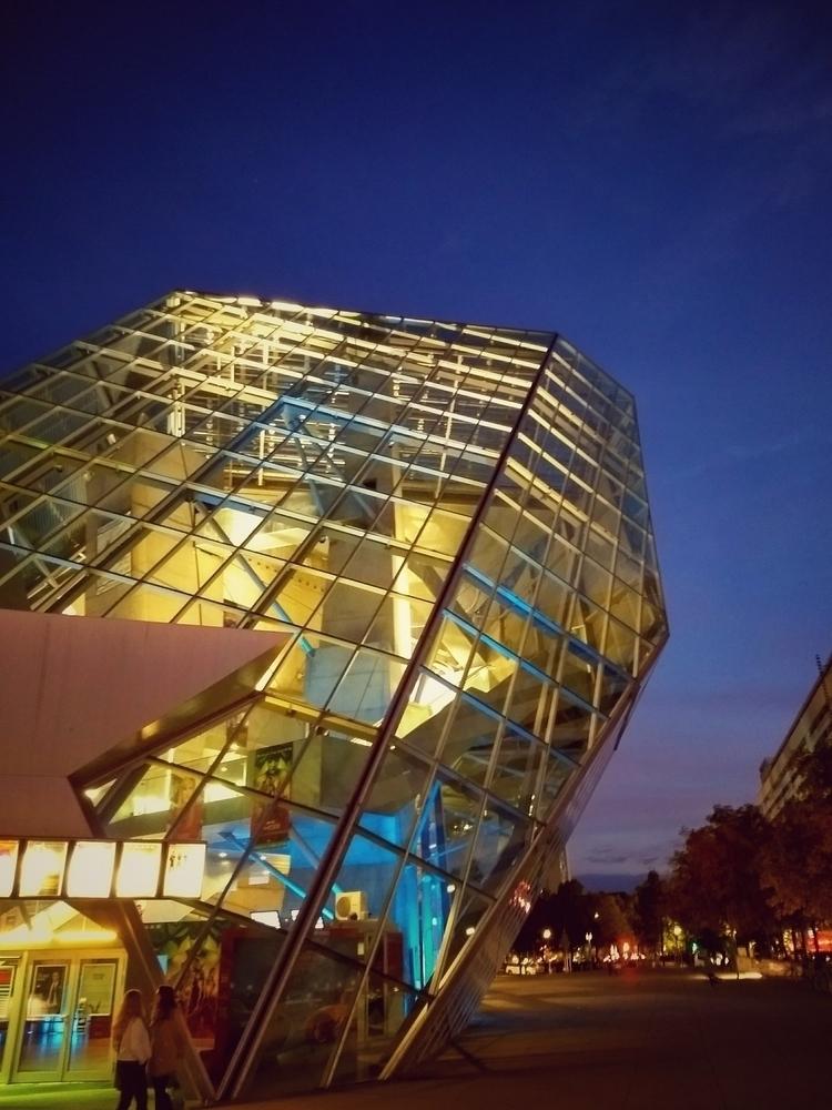 crystal, architecture, building - claudio_g_c | ello