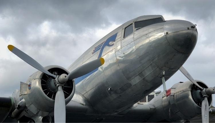 DC-3 - zombiepappa | ello