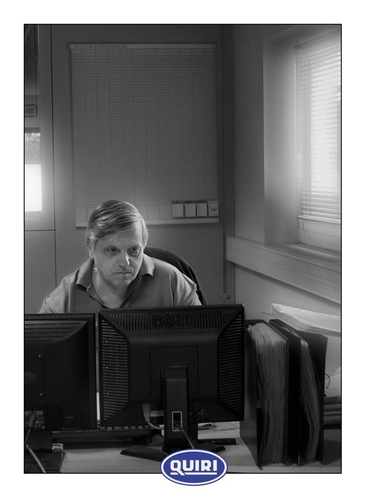 People work - photography,, blackandwhite, - remyphx | ello