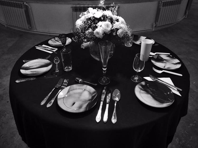 Table Nvard Yerkanian 2014 phot - urban_fairy | ello