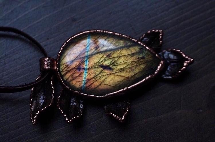 Stunning Labradorite Pendant! r - downtonaturejewelry | ello