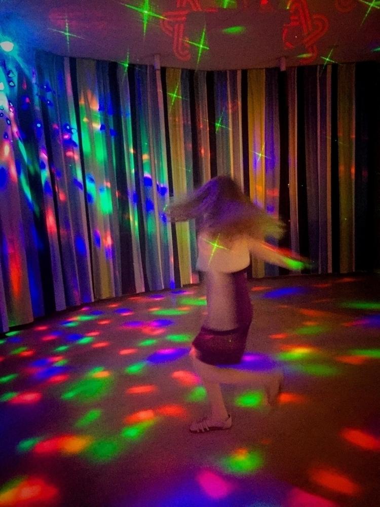 Disco girl - zombiepappa | ello