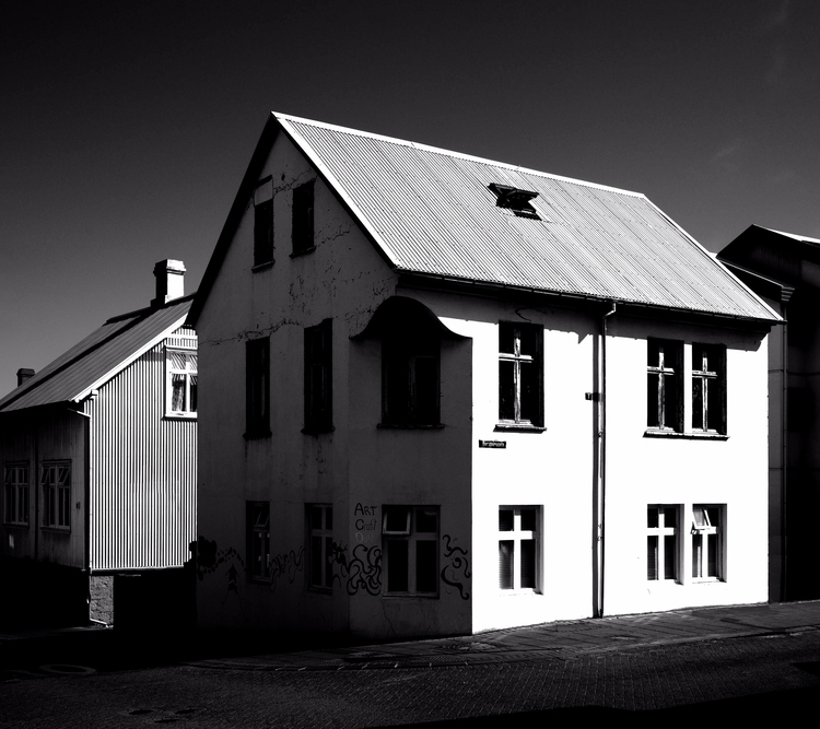 Reykjavik house bergþórugata Nr - junwin | ello