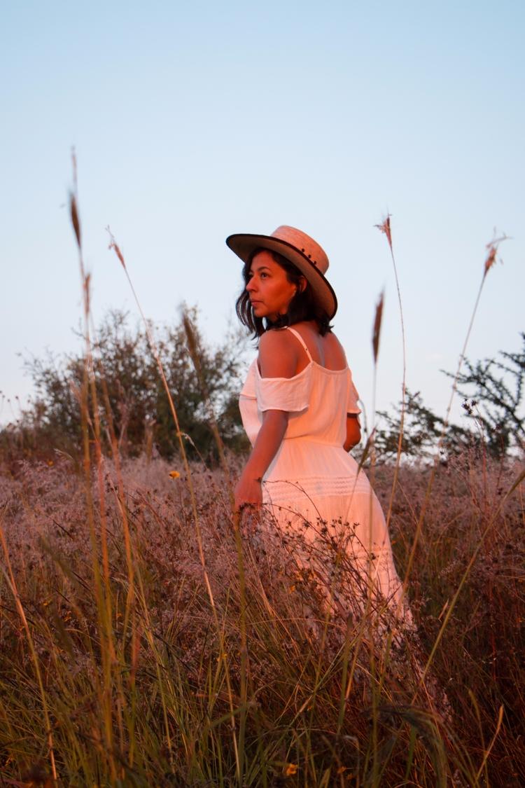 Sunrise countryside - nature, portrait - yiramos | ello