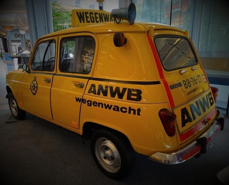 Renault 4 - wegenwacht, Holland - huis-tuin-en-keukenfotograaf   ello