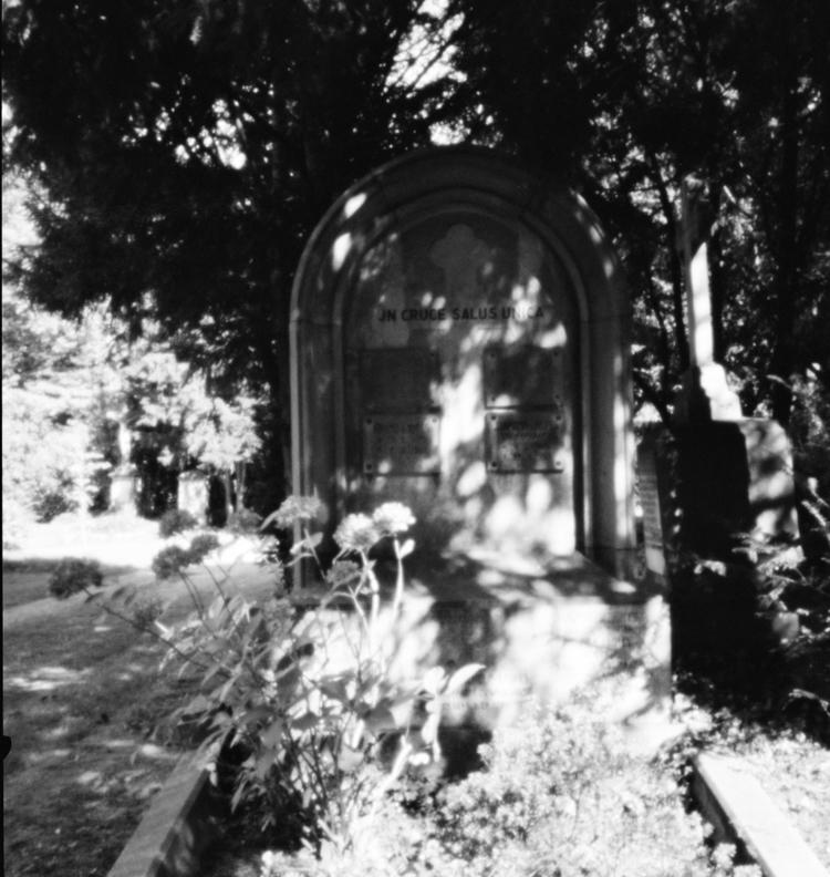 Ostfriedhof XVIII - Pinhole Pho - walter_ac | ello