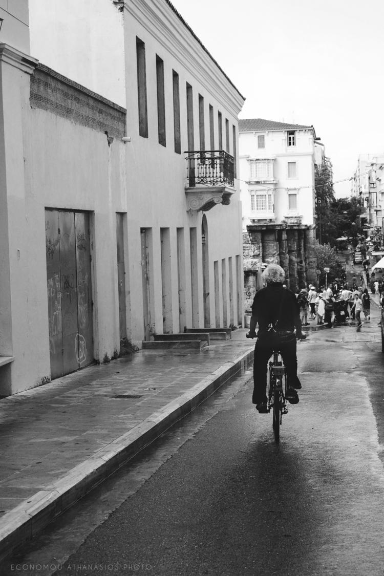 athensstreets, streetsofathens - inphoto   ello