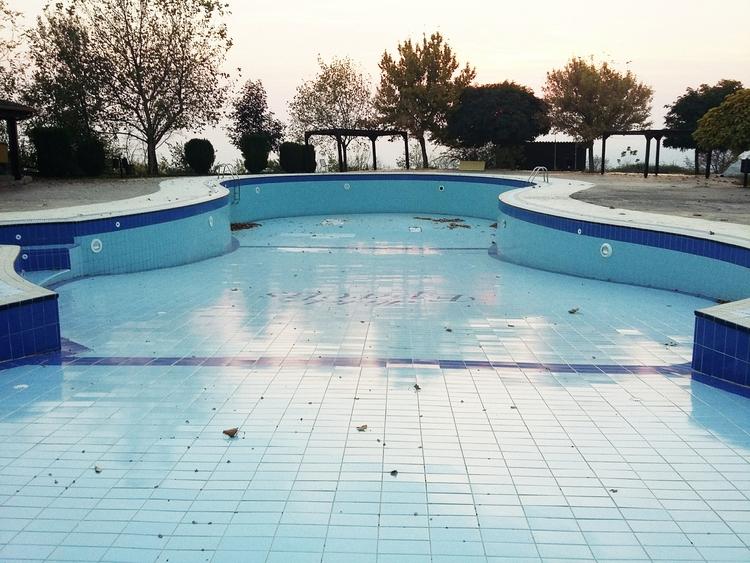 emptypools, blue, pool, abandoned - object-e | ello