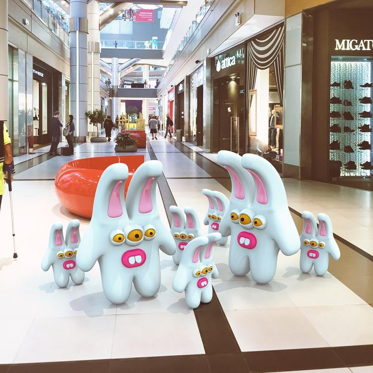 Mall, buying mittens hats - 3Dart - cyberella | ello