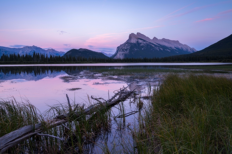 give - Vermillion Lakes, Banff  - fadihage | ello