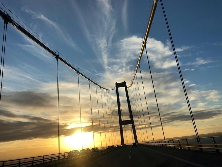 crossing; time Storebælt Bridge - rowiro | ello