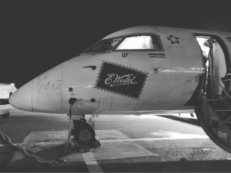 Boarding DHC-8-400 Warsaw. Hamb - rowiro   ello