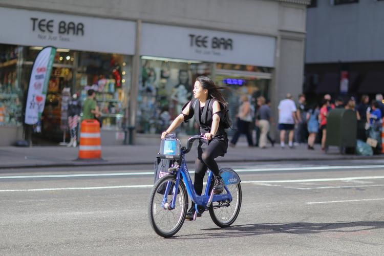 **Cycling Sun** woman rental bi - kevinrubin | ello