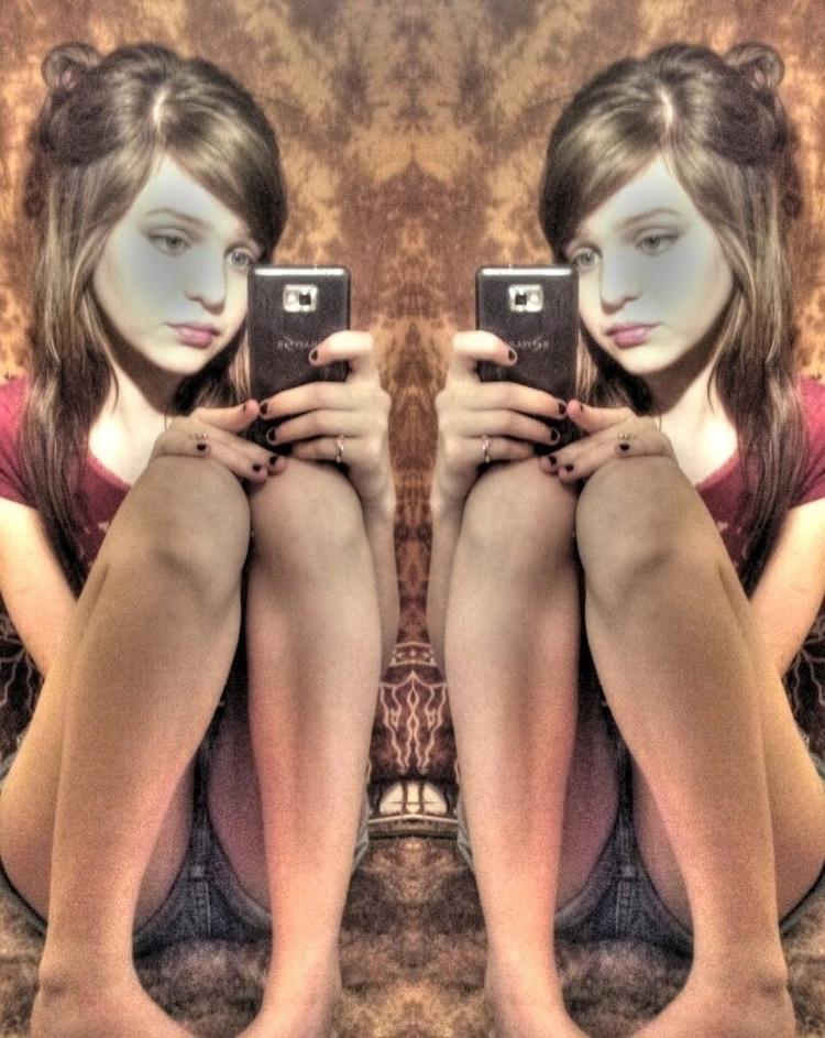 Kate. masturbate webcam hot vid - sexykate18 | ello