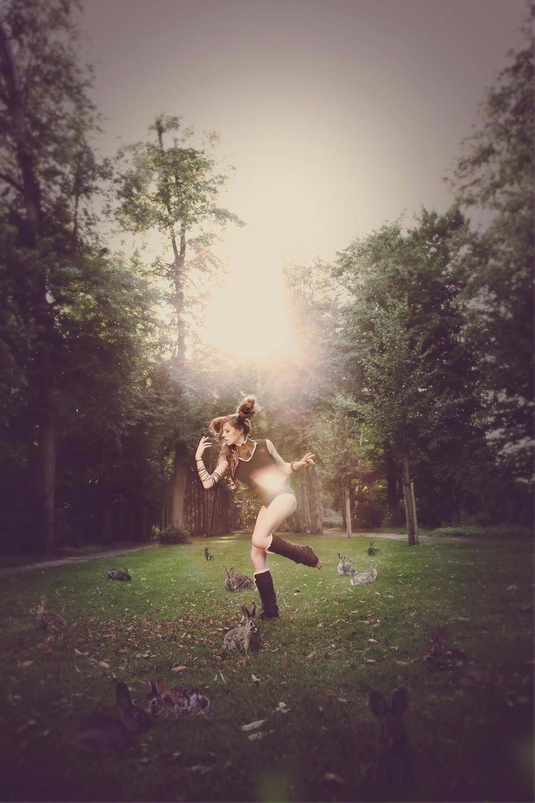 Hopping rabbits - modeling, minaenrage - mina_enrage | ello
