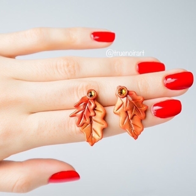 Oak leaf stud earrings Etsy sho - truenoir | ello